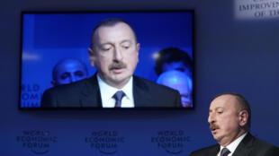 На прошлой неделе президент Азербайджана Ильхам Алиев объявил о досрочных выборах в Азербайджане.