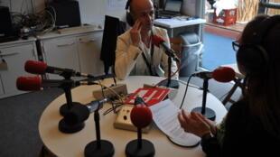 João Ferreira, director artístico e programador do Queer Lisboa, no estúdio da RFI, no Festival de Cinema de Cannes
