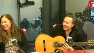 O duo Andréa & Donzella, com Andréa Monteiro e Emmanuel Donzella.