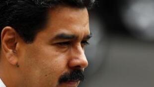 O presidente da Venezuela, Nicolás Maduro, vem enfrentando a revolta do povo com a falta de soluções para a crise.