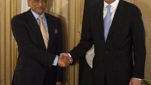 Le Premier ministre pakistanais Shah Mehmood Qureshi a reçu son homologue indien S.M. Krishna à Islamabad ce 15 juillet 2010.