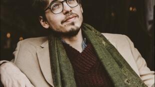Французский пианист Люка Дебарг