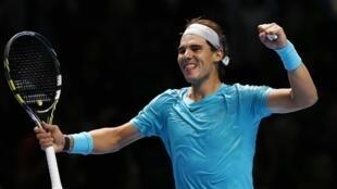 O espanhol Rafael Nadal celebra sua vitoria contra o suíço Stanislas Wawrinka, no Master de Londres.