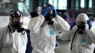 نخستین مورد مبتلا به ویروس کرونا که در لبنان مورد شناسایی قرار گرفت، یک مسافر از شهر قم بود.