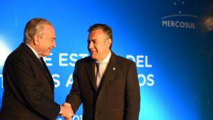 Governador A. Conejo com o presidente Michel Temer. Mendoza 20/07/17