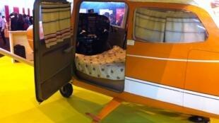 Avião dos anos 60 é transformado em hotel.