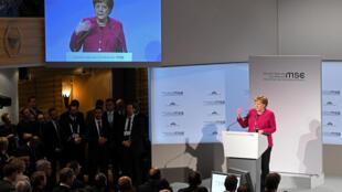លោកស្រី Angela Merkel និយាយក្នុងសន្និសីទ Munich Security Conference។ ថ្ងៃទី១៦ កុម្ភៈ ២០១៩