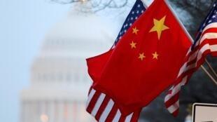Hình minh họa: Cờ Trung Quốc và Hoa Kỳ
