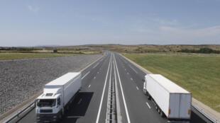 En Europe, les transports sont responsables de près de 30% des émissions totales de dioxyde de carbone et 72% de ces émanations proviennent exclusivement du transport routier.