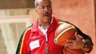 Paulo Macedo, seleccionador de basquetebol angolano