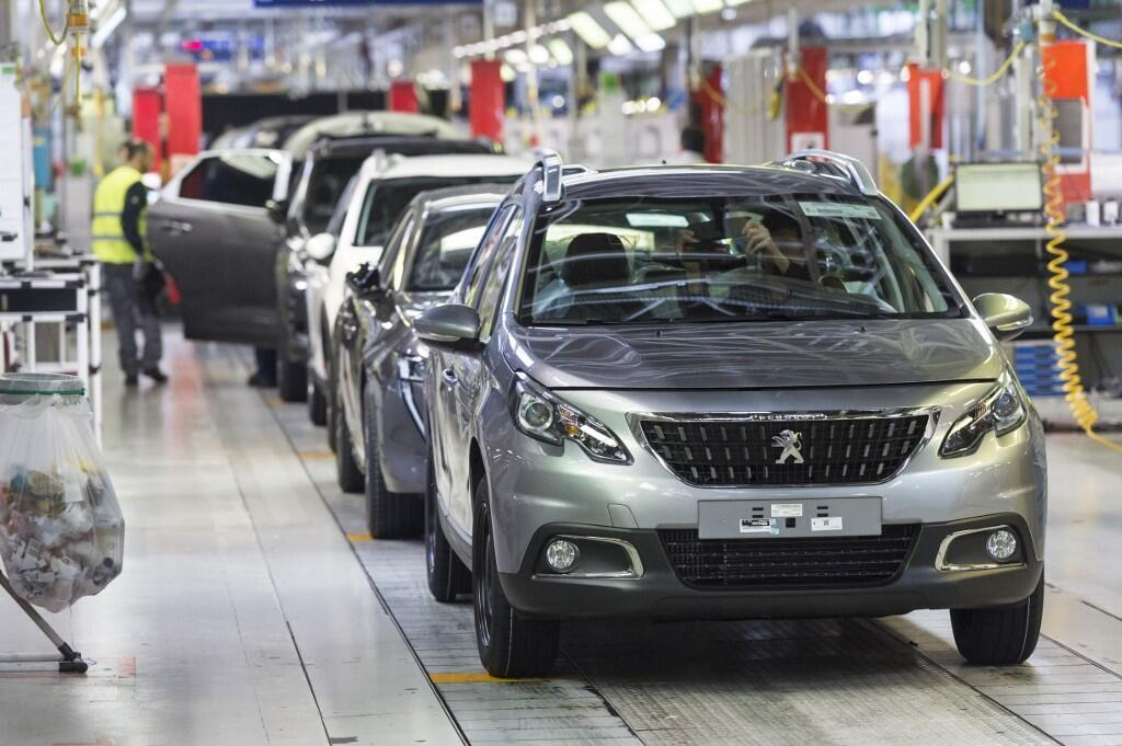 Fiat Chrysler, Peugeot in merger talks to form mega car company