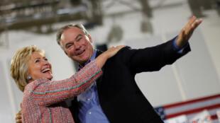 هیلاری کلینتون و سناتور تیم کین