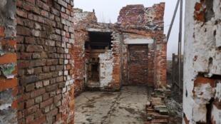 La fondation veut sauvegarder des bâtiments, des objets liés aux 45 camps annexes d'Auschwitz : usines, baraquements, entrepôts