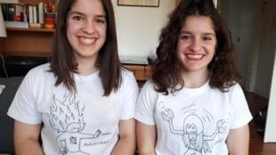 Adèle et Emma, étudiantes et jumelles.
