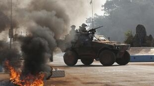 French troops secure an area in Bangui, 19 January 2014.
