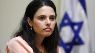 Ayelet Shaked, membre du parti Foyer juif, nommée ministre de la Justice, le 14 mai 2015, a gagné son bras de fer contre la présidente de la Cour suprême..