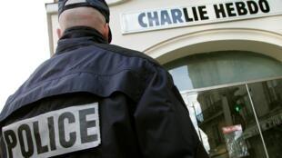 Un mois après les attentats à Charlie Hebdo, les enquêteurs se concentrent sur une nébuleuse terroriste.