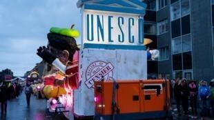 Un char du carnaval d'Alost dénigre l'Unesco et sa «pseudo» censure, le 23 février 2020.