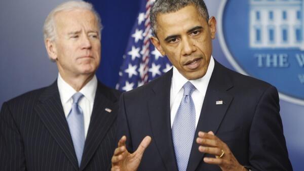 O presidente americano, Barack Obama, em primeiro plano, acompanhado do vice, Joe Biden.