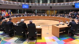 Los Ministros de Defensa de 23 países europeos firman un pacto de Cooperación Estructurada Permanente (PESCO) el 13 de noviembre de 2017 en Bruselas.