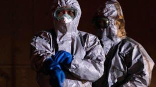 Safety officials at Japan's Fukushima Daini nuclear plant, 13 March 2011.