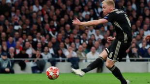 Donny van de Beek scored the winner for Ajax at Tottenham Hotspur.