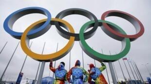 Les athlètes notamment déplorent l'impossibilité d'utiliser ces sites olympiques qui ont coûté beaucoup d'argent au pays.