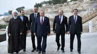 Хасан Рухани, Ильхам Алиев, Нурсултан Назарбаев, Владимир Путин и Гурбангулы Бердымухамедов на саммите в Актау, 12 августа 2018.