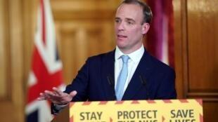 Dominic Raab, ministre des Affaires étrangères, assure l'intérim du Premier ministre Boris Johnson, hospitalisé en raison d'une infection au Covid-19.