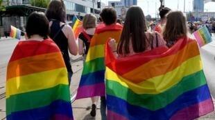 En Pologne, le climat n'est pas favorable pour les personnes LGBT. Ici, lors d'une «marche des fiertés» en juin 2018, à Varsovie.