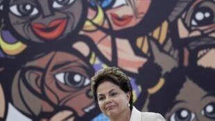 Presidente Dilma Rousseff  em entrega de prêmio de Direitos Humanos em Brasília no dia 9 de dezembro de 2011.