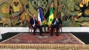 Édouard Philippe en entretien avec le chef de l'État sénégalais, Macky Sall.