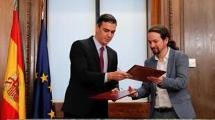 Pedro Sanchez et Pablo Iglesias au Parlement de Madrid le 30 décembre 2019.