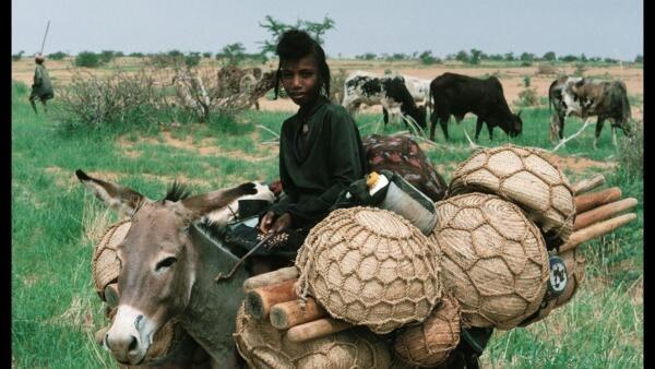 Criança da etnia Peul, no Níger.