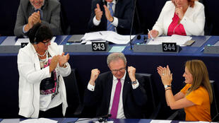 German MEP Axel Voss, who brought the copyright directive before the European Parliament, celebrates the vote in its favour, 12 Septembre 2018.