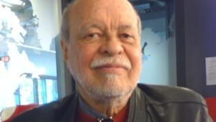 Antonio Sarabia en los estudios de RFI.