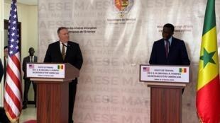 L'Américain Mike Pompeo et son homologue sénégalais Amadou Ba en conférence de presse à Dakar, le 16 février 2020.