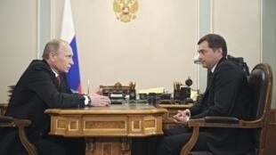 Встреча Владимира Путина с Владиславом Сурковым в Ново-Огарево 30/12/2011