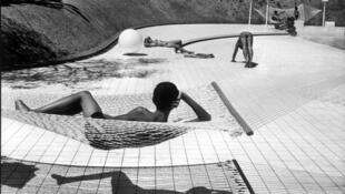 Piscina em Le Brusc, verão de 1976.
