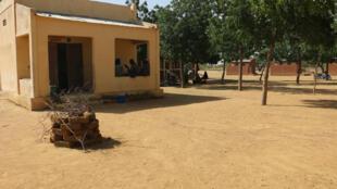 A l'école Moussawal, à une vingtaine de kilomètres de Mopti, la fréquentation est en baisse depuis la réouverture de l'établissement en octobre 2018.