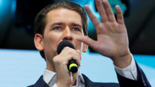 O líder conservador Sebastian Kurz foi plebiscitado nas eleições austríacas.