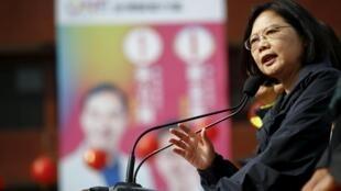 Tsai Ing-wen lidera as pesquisas.
