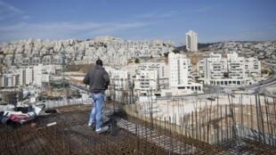 Tensão aumenta em Israel, provocada pela aceleração da construção de assentamentos judaicos nos territorios palestinos.