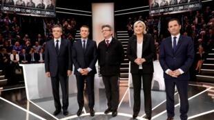 Фийон (1-й слева), Меланшон (в центре) и Ле Пен (4-я) — традиционно играют на стороне Путина. Макрон (2-й) и Амон (5-й) выступают за принуждение России к миру при помощи санкций/