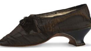 Une chaussure de Marie-Antoinette, 1792.