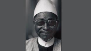 Portrait de l'écrivain malien Amadou Hampâté Bâ (1901-1991) pris à Paris, le 12 avril 1975.