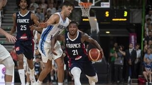 Le meneur français Andrew Albicy et ses coéquipiers visent le podium lors de la Coupe du monde 2019 de basket.