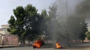 Rival Yemeni forces clash in the capital Sanaa