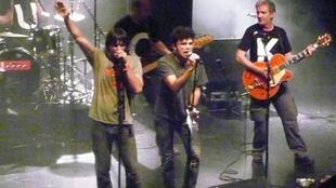Bertrand Cantat and his band Noir Désir on stage