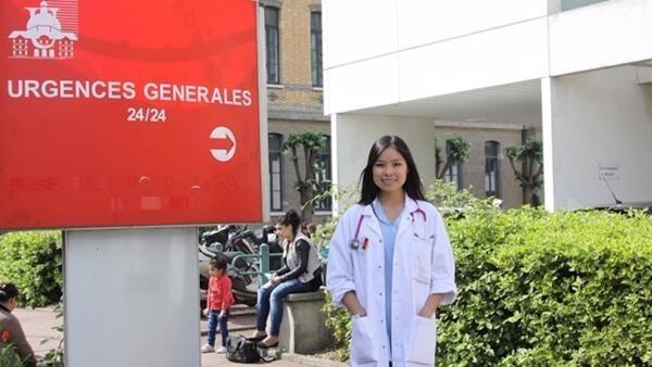 Baseada em Paris, a médica chinesa formada em Wuhan, Na Na, diz que não vê razão para preconceito contra chineses ou asiáticos em geral.